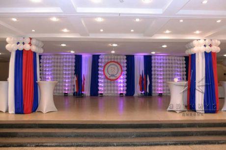 Единый стиль в оформление праздничного холла на юбилей предприятия