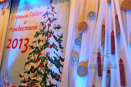 Декорации для сцены на Новый год и Рождество