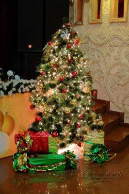 Новогодняя елочка с подарками