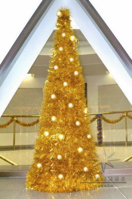 Ёлочка из золотой мишуры на новый год