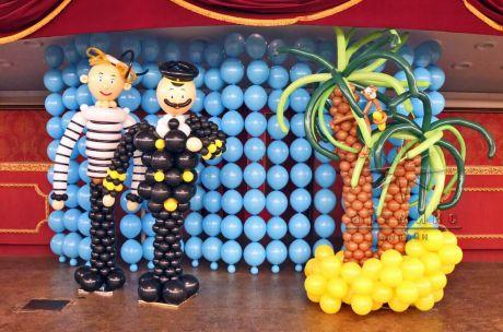 Фотозона с воздушными фигурами и панно из воздушных шаров на праздник День защиты детей