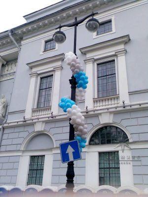 Витая гирлянда из шаров • Городские праздники — это мероприятие крупного масштаба