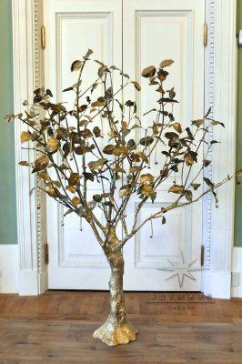 Дерево пожеланий с карточками оформлены по вашему стилю торжества
