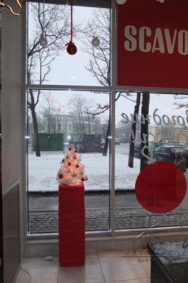 Оформление витрины в магазине