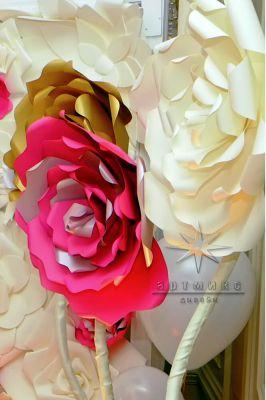 Гигантские цветы разных оттенков