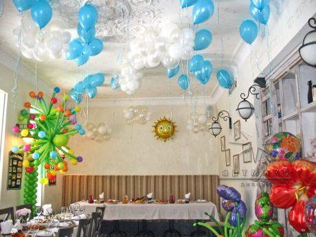 Солнышко и полянка из воздушных шаров на детский праздник