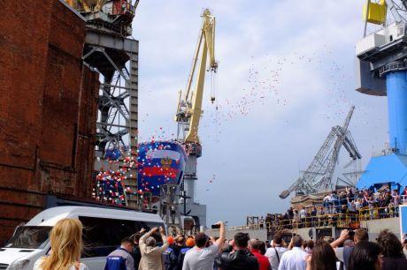 Запуск воздушных шаров на торжественном мероприятии