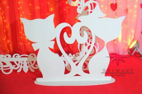 Фотозона в аренду для вечеринки на День Святого Валентина
