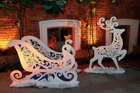 Новогодняя фотозона Сани Деда Мороза