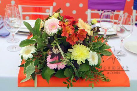 Цветочные композиции на столах