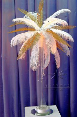 Аренда страусиных перьев в вазах, новое предложение по  новогоднему декору