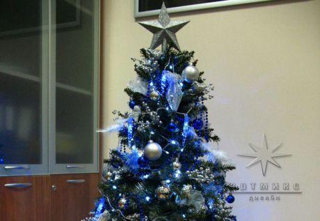 Новогоднее оформление Елки в синем цвете