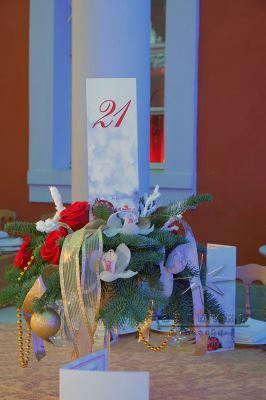 Праздничные композиции для украшения столов