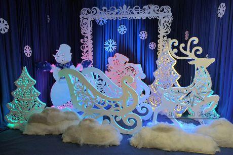 Новогодние светящие декорации для оформления витрин