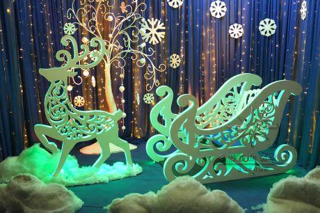 Новогодняя фотозона Сани и Олень из серии Ажурные фигуры со светодиодной подсветкой