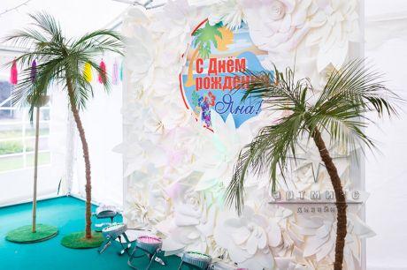 Стена из цветов для Гавайской вечеринки