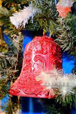 Новогодний декор в оформлении панно - Окно