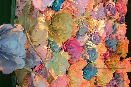 Цветочная стена из дизайнерского картона