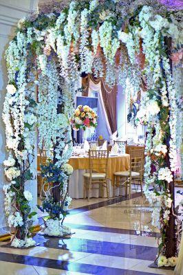 Аренда арки с цветами для фото сессии