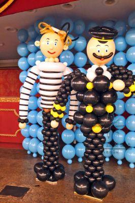 Фигуры из воздушных шаров - моряк и капитан
