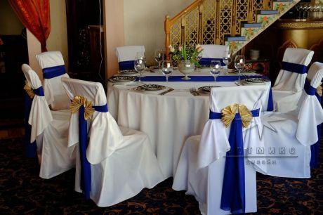 Праздничное оформление цветами и тканями юбилея 50 лет в ресторане Навруз
