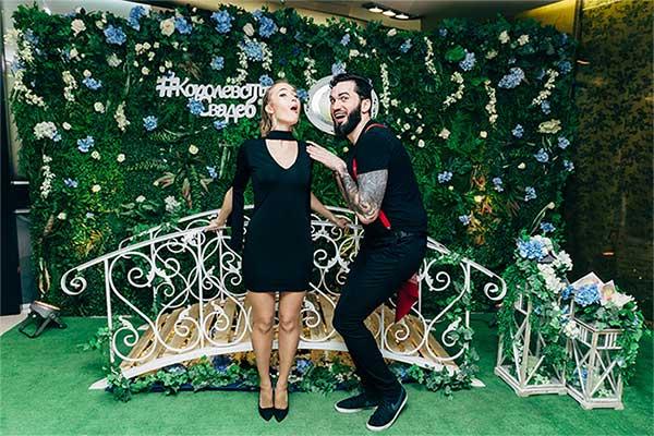 Фотозона Мостик в саду