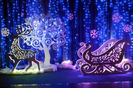 Фигуры с подсветкой на Новый год Сани, Олень, Дерево