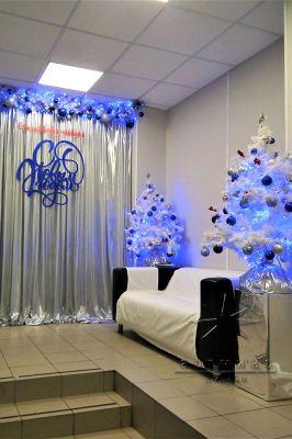 Новогоднее оформление холла в ветеринарной клиники