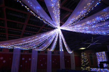 Новогоднее оформление потолка