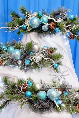 Новогодние тематические  композиции с белым и голубым декором