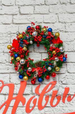 Новогоднее украшение над камином - Венок