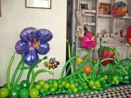Жизнерадостные ромашки из воздушных шаров