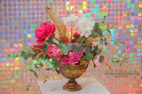 Золотые вазы с цветами в аренду