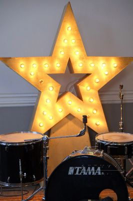 Фотозона Ретро Звезда в Голицын Холле