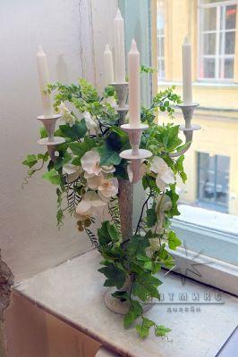 Оформление канделябров цветами