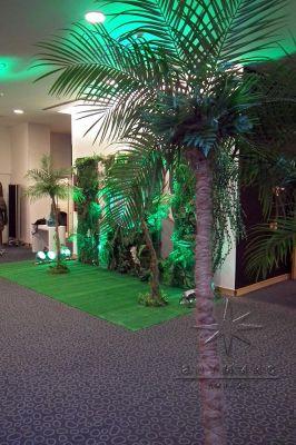 Декоративные пальмы в новогоднем оформлении