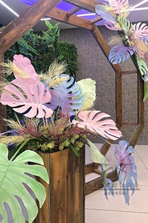 Фотозона шесть граней с цветными листьями_2
