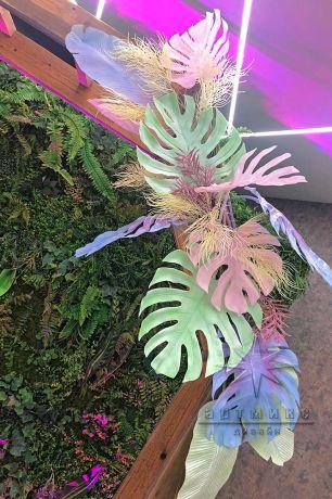 Фотозона шесть граней с цветными листьями_3