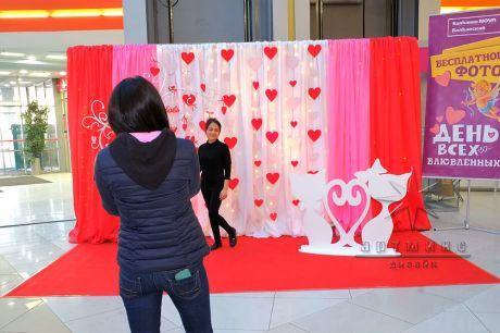Фотозона на День Святого Валентина в торгово-развлекательном центре