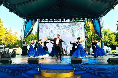 Празднование 314-летия со дня основания города-крепости и Балтийского флота России