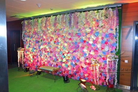 4,5 метровая цветочная фотозона на 8 Марта в Бизнес Центре