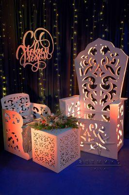 Новогодняя фотозона Большой трон и трон для наследника