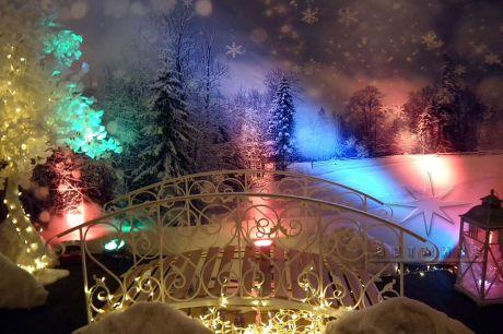 Декоративный мостик на новогоднюю вечеринку