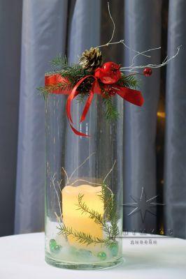 Новогодняя композиция на стол со свечами