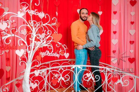 Фотозона на День Влюблённых в ТРК Невский