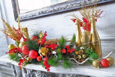 Новогодняя композиция в красно-золотых тонах