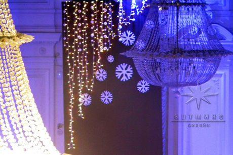 Новогоднее оформление актового зала в Политехе