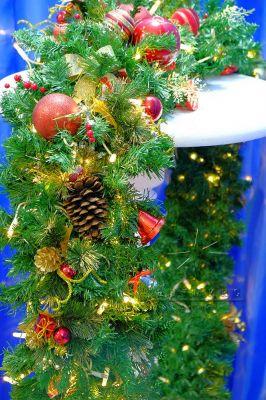 Новогодний декор из хвойных веток в аренду