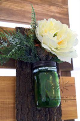 Декоративный элемент в охотничьим стиле - баночка с цветами