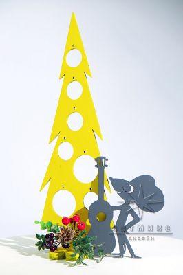 Новогодняя композиция  Сырная ёлочка и Мышонок с гитарой